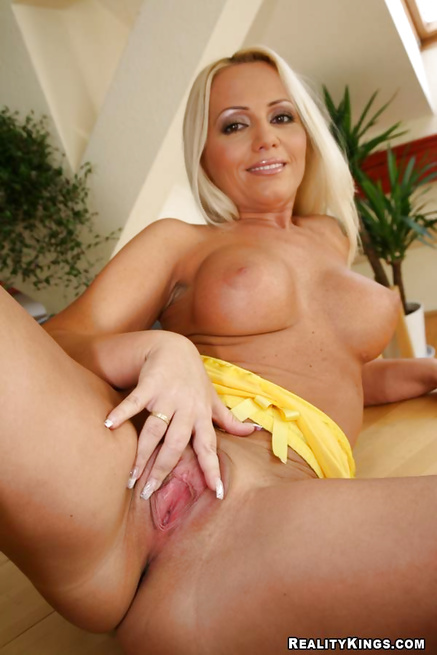 Filthy blonde loves playing cards and having double penetration