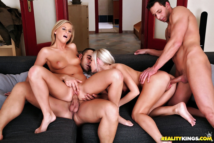 Blonde with nice asses are fond of deep penetration