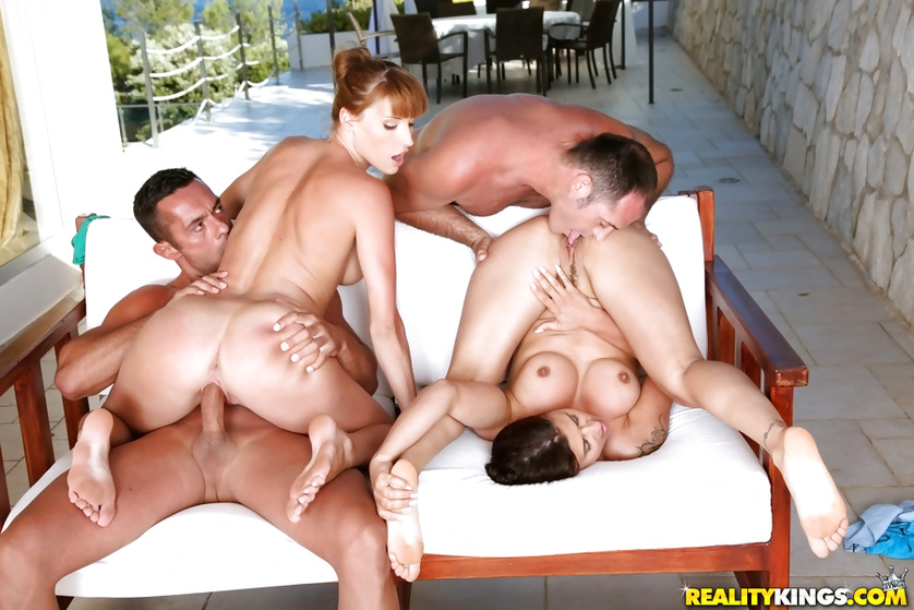 Outdoor foursome with two sensational ladies