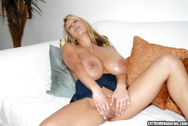 Juicy blonde is smiling dildoing her pussy with excitement