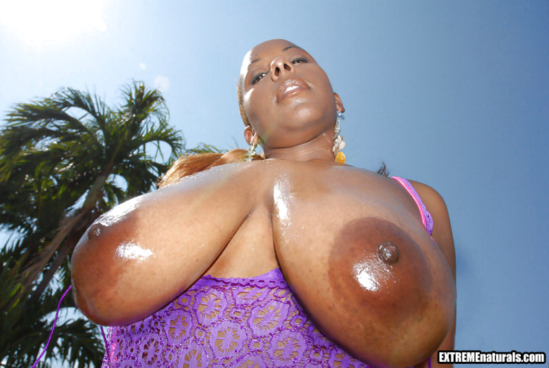 Making this ebony slut cry with sensational orgasm