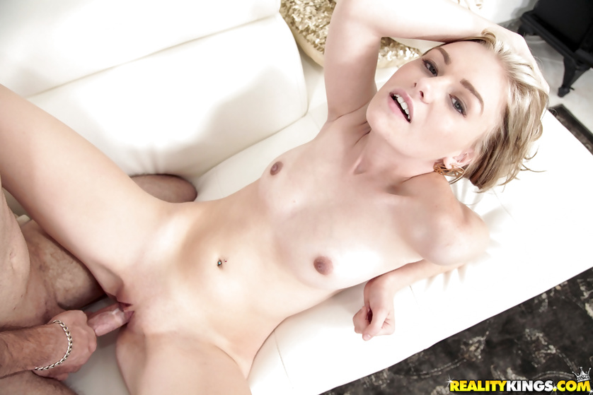 This blonde is feeling strong with to eat some cum