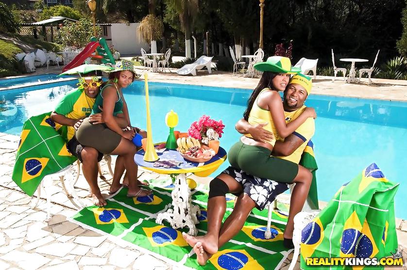 Wild Brazilian porn stars are having outdoor group sex