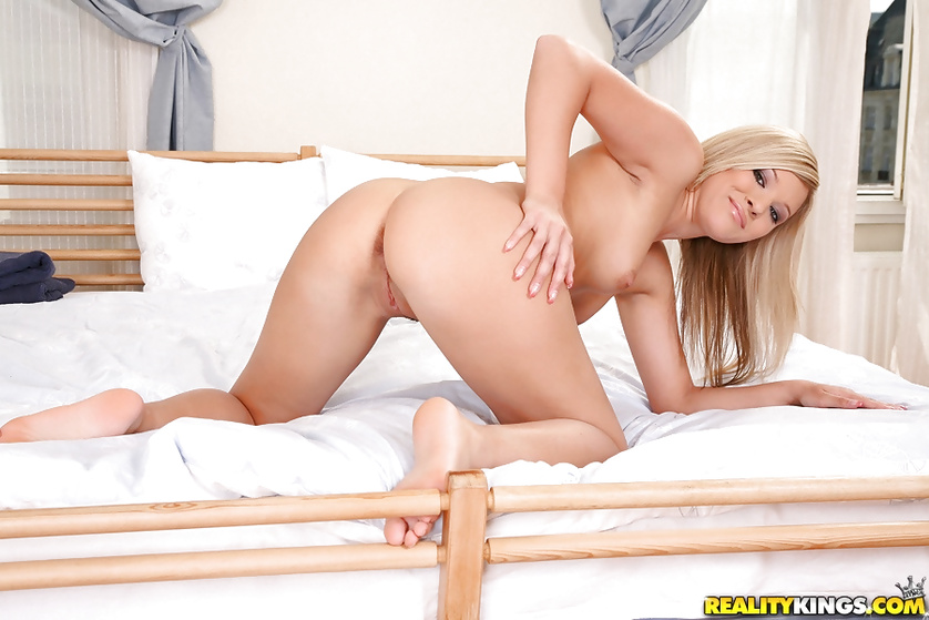 Stop hesitating and watch this sweet blonde fucking hard