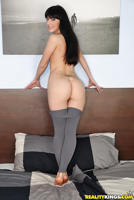 Classic sex clip featuring sensational brunette babe