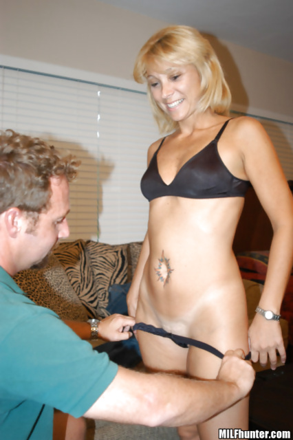 MILF in black lingerie wants to feel sensational orgasm