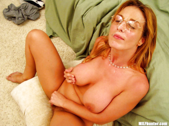 MILF is getting her glasses covered with warm cum