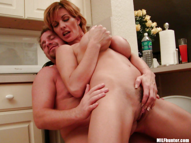Sex with amateur MILF in the big kitchen