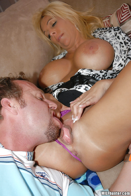 Unstoppable lesbians are sharing big cock of their lover