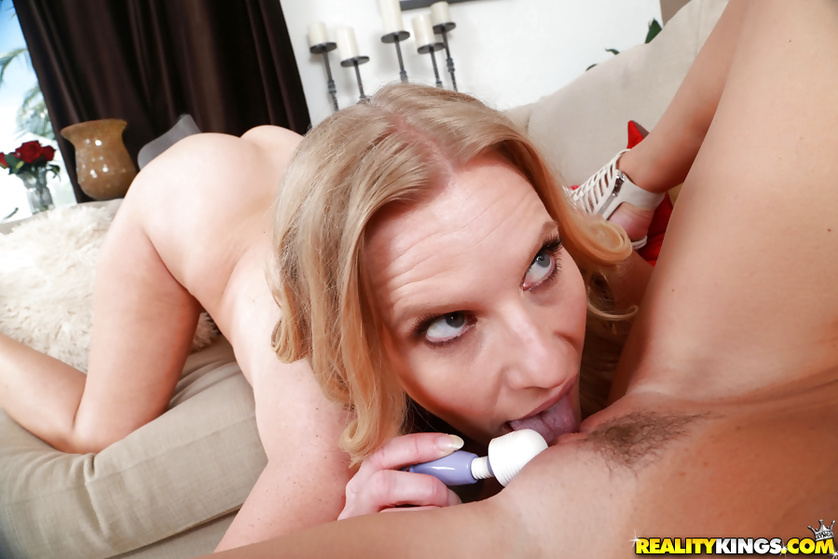 MILF wearing white shoes is enjoying lesbian ex