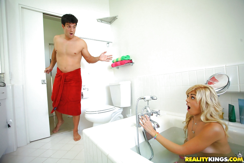 Blonde is fucking with her man in toilet and in bathroom