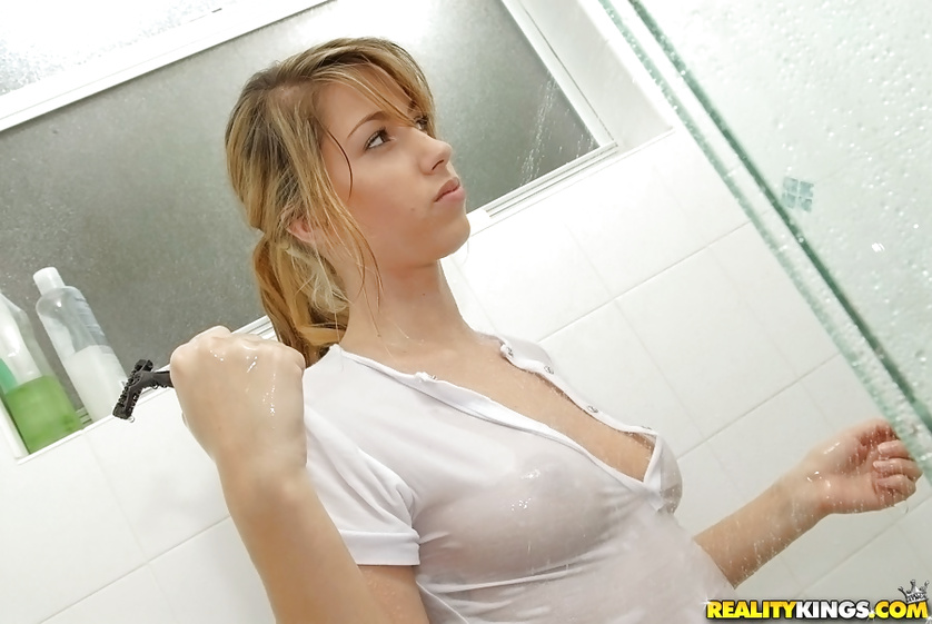 Wet girl is getting penetrated after taking shower