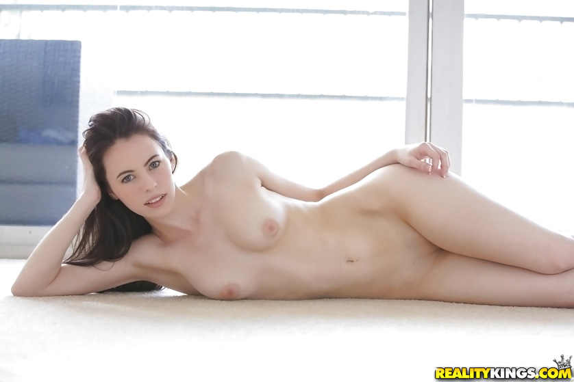 Young chick in black socks is showing awesome fuck skills