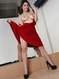 Dance studio is the perfect place to fuck a stacked, pretty hottie like Valentina Nappi. There are mirrors everywhere, for God's sake!