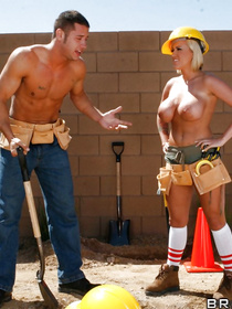 Join passionate builders fucking wildly in the street. The blonde is taking off her sexy uniform and demonstrating her great sex skills.