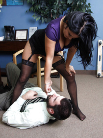 She's fed up with those douchey office workers, so she's taking matters into her own hands. Watch this liberated hottie use her confidence!
