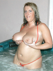 Mature BBW gets laid thanks to her formidable red swimsuit. Watch her seduce a young fellow for an excellent fuck in the living room.