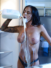 Watch passionate lovers fucking wildly in the kitchen. The busty brunette is taking off her black lingerie and being banged by the handsome man.