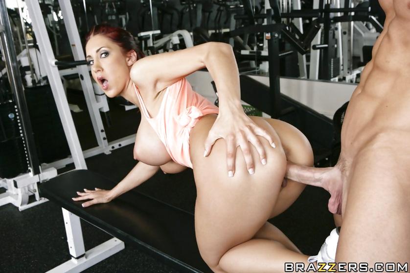 секс в качалке с тренером волосатые