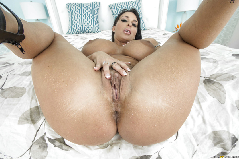 Boobs booty ass pussy vargin sexy fuking women