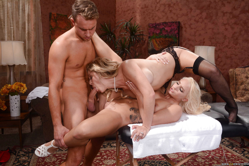 Mast booby blond girl