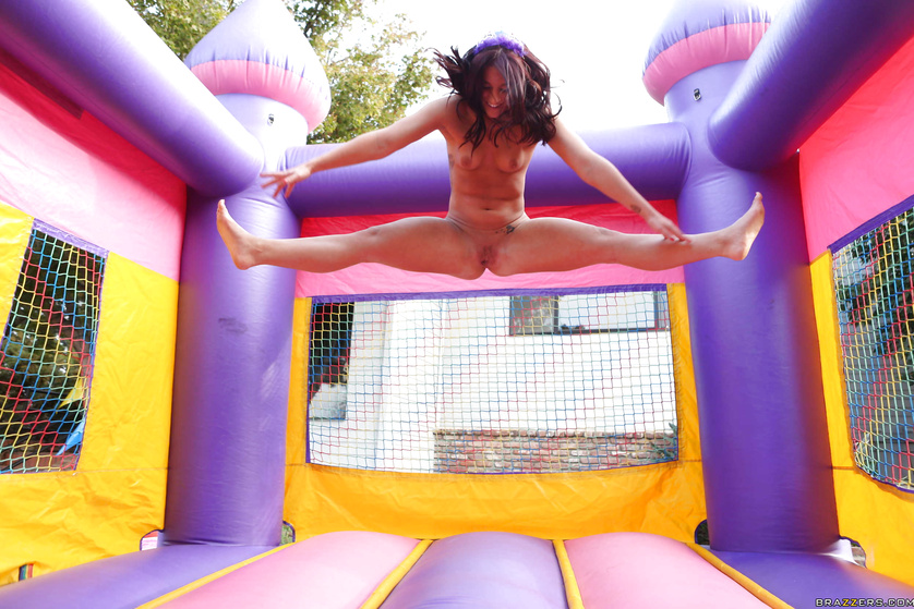 House Of Pain Frontman Sues Jump Around Bouncy Castle Rental Company