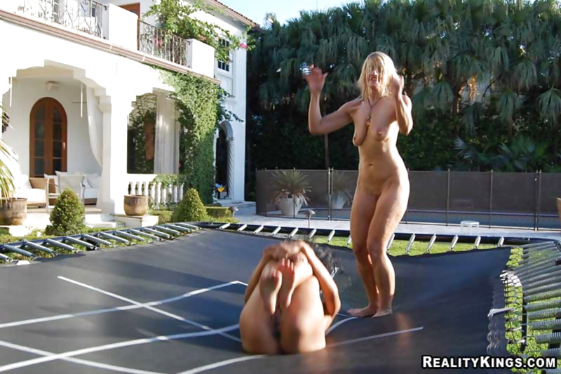 naked-women-on-trampoline-video-free